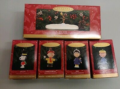 Hallmark 1995 A CHARLIE BROWN CHRISTMAS Set Of 5 Ornaments Complete New ()