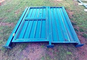 COLORBOND COMMERCIAL GATE SET (2.5m High incl POSTS, SIDE PANEL) Flynn Belconnen Area Preview