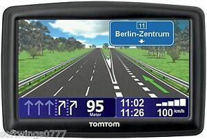 TOMTOM XXL CLASSIC 5 INCH GPS SAT NAV UK & IRELAND  MAPS