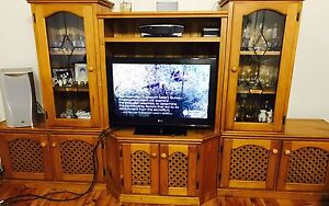 Entertainment unit with TV Monterey Rockdale Area Preview