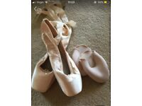 Bloch Pointe Shoes Size 6