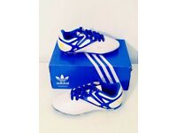 BOYS ADIDAS MESSI FOOTBALL BOOTS SIZE 3.5