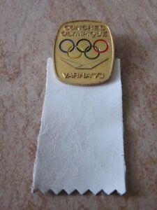 1973 Varna Olympic Congress cio Guest with white leather RIBBON badge pin-  mostra il titolo originale - Italia - 1973 Varna Olympic Congress cio Guest with white leather RIBBON badge pin-  mostra il titolo originale - Italia
