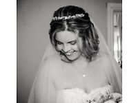 Discreet, unobtrusive wedding photography & videography. Not a fan of posing? Please read on...