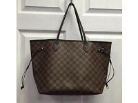 100% genuine Louid Vuitton Neverfull bag. Like new!!