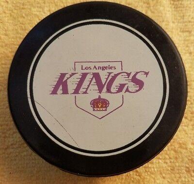 LOS ANGELES KINGS  vintage orange shield  NHL HOCKEY inglasco OFFICIAL GAME PUCK