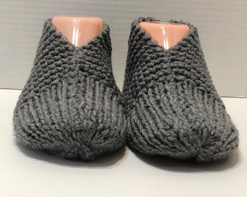 MENS Hand Knitted Slippers GRAY GREY HEATHER 1 size fits most 7,8,9-12