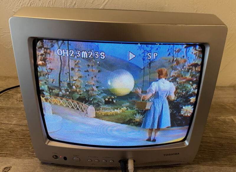 "Toshiba 13"" TV With Remote Model 13A24 Retro Vintage Gaming CRT Tested Excellent"