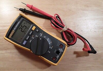 Fluke 115 True Rms Electrical Multimeter Very Good Condition. 92601260