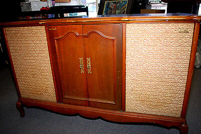 Vtg. Fisher 600 Stereo Tube Receiver AM/FM Radio Cabinet w/Turntable & Speakers