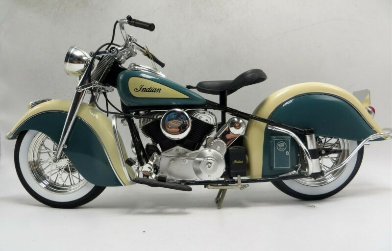 Large 1/6 Scale Guiloy 1948 Indian Chief 348 Metal Diecast Motorcycle Model