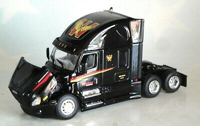 DCP BLACK WILSON LOGISTICS FREIGHTLINER CASCADIA HIGH ROOF CAB 1/64 60-0579