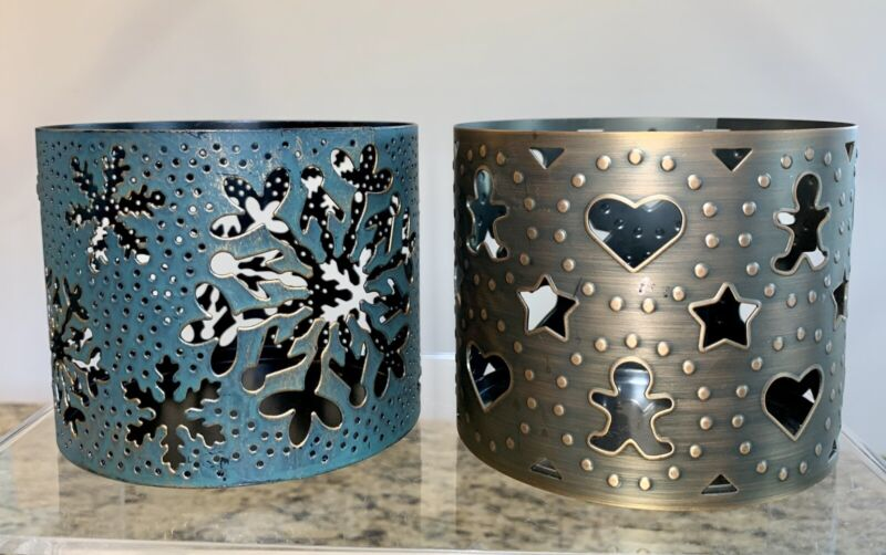 (2) Bath & Body Works Snowflake Gingerbread  Christmas 3-Wick Candle Holder HTF!