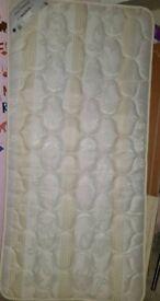 Single mattress immaculate nearly new