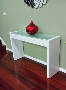 White console table Wollongong Wollongong Area Preview