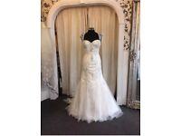 Stunning BNNW Wedding dress 'True Bride' sz 14