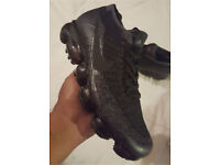 Triple black Nike Vapormax
