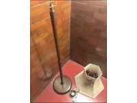 Solid (Teak?) - Vintage floor lamp