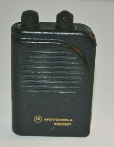 Motorola Minitor III 1 chl  SV  VHF ( 151-158.9875 MHz) pager ,, A03YMS9238BC