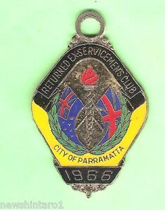 PARRAMATTA RSL RETURNED EX-SERVICEMENS CLUB MEMBER BADGE - 1966 #2523