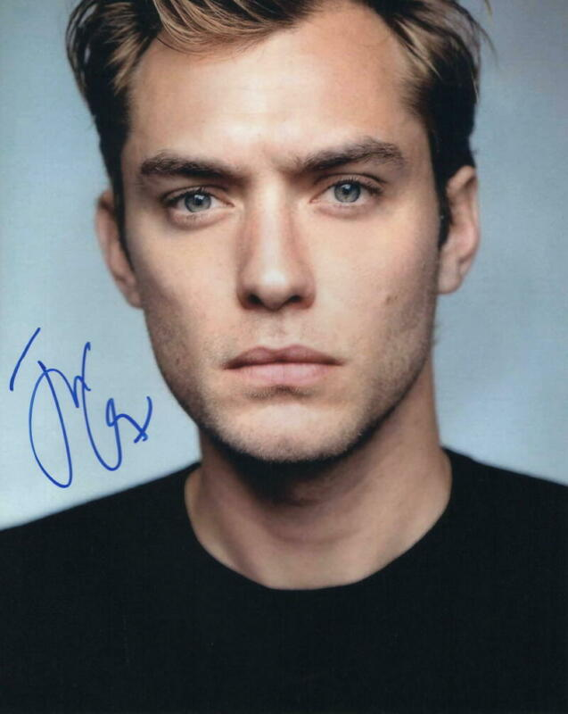 JUDE LAW SIGNED AUTOGRAPH 8X10 PHOTO FANTASTIC BEASTS THE CRIMES OF GRINDELWALD