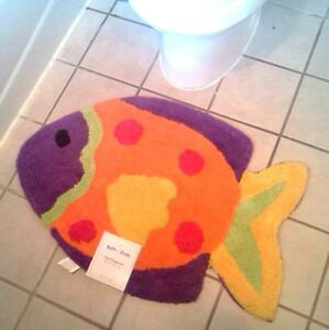 Tropical fish shaped bathroom area rug mat carpet nautical for Fish bath rug