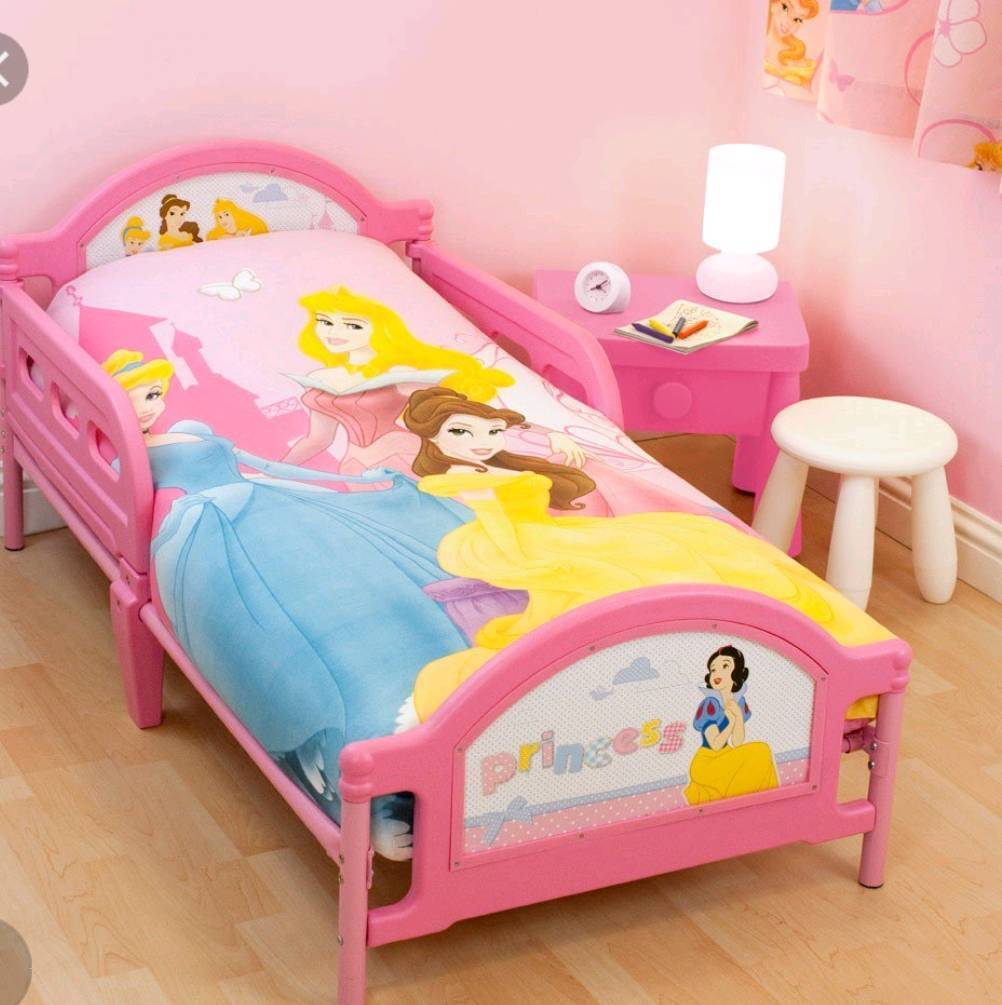 Disney princess bed with mattress