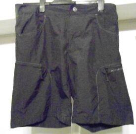 Mens Altura Ascent Technical Bikewear Baggy Shorts. Black. Size Large