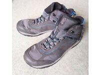Clarks Outdoor Goretex Walking Boots (Mens, 11)