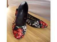 """NEXT """"Forever Comfort"""" Size 6/39 Ladies Flats/Ballerinas Red/Black 'BLOSSOM' Embroidery on Mesh"""