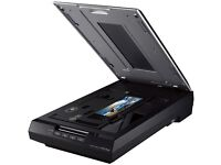 BARELY USED EPSON PERFECTION V550 FLAT BED SCANNER