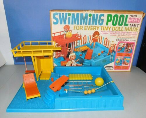 VINTAGE REMCO SWIMMING POOL & CABANA SET, DOLL POOL TOY