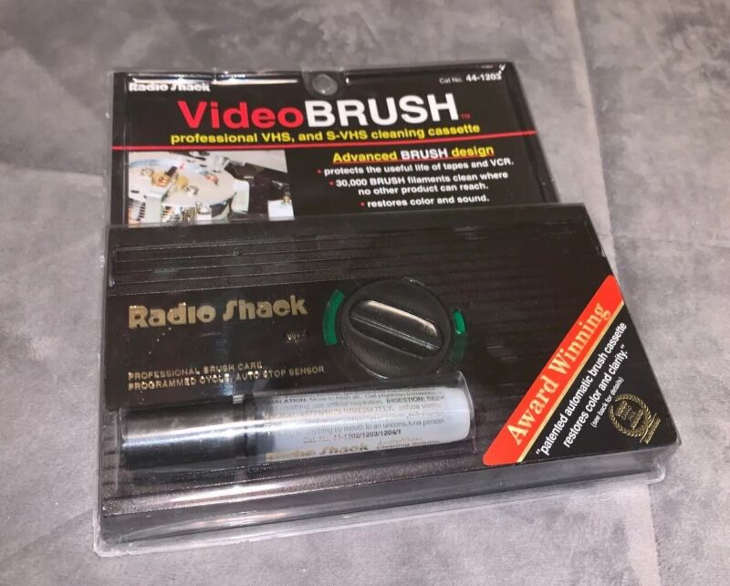 Radio Shack Video Brush Professional VHS & S-VHS VCR Cleaning Cassette 44-1203