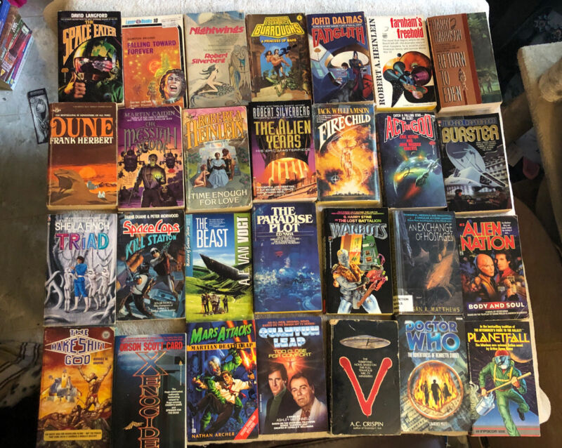 Science Fiction Paperback Book Lot