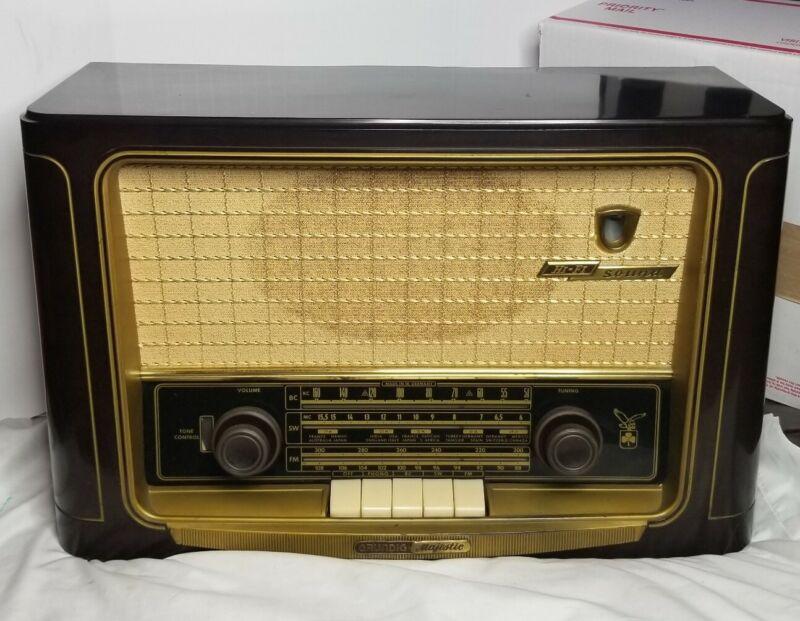 Vintage Grundig Majestic Tube Radio 1055