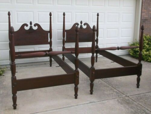 Pair Vintage Mahogany Twin Pineapple Poster Beds