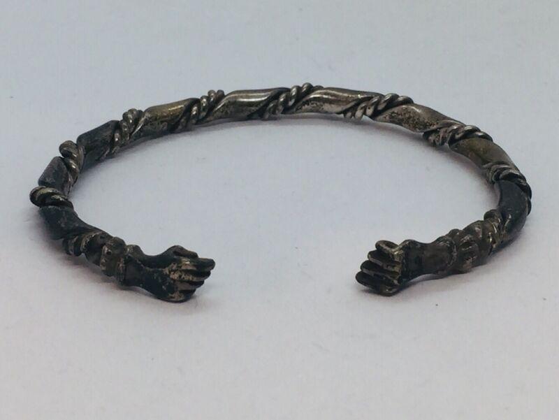 Vintage Trinidad Hand Made Sterling Silver Fist Ends Design Twist Bracelet