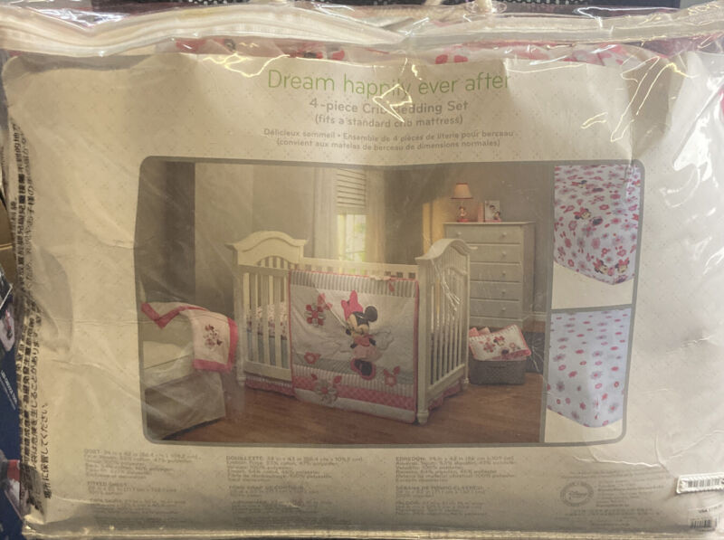 Disney Dream Happily Ever After 4-Piece Crib Bedding set - Minnie Mouse