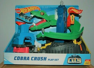 Hot Wheels City Cobra Crush Vehicle Track Playset