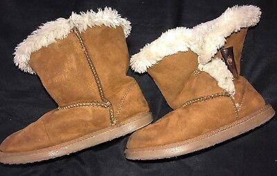 (girls size 11 WINTER BROWN BOOTS toddler footwear SOFT FURRY LINING fun wear @@)