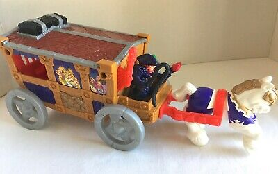 Fisher Price Great Adventures Magic Castle Royal Coach 72899 Complete w/3 Arrows