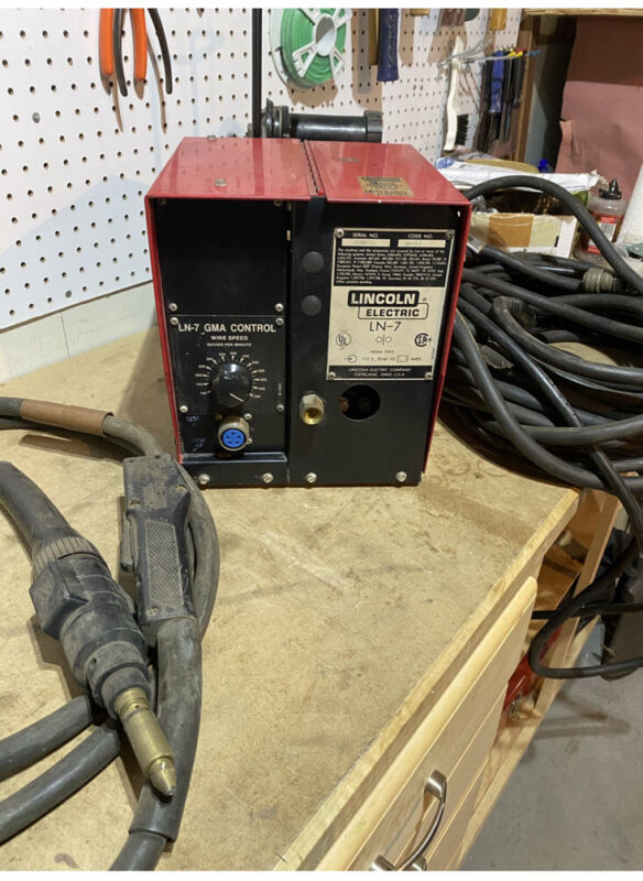 LN-7 Lincoln Wire Feeder And Tweco Mig Gun With Lead
