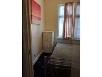Beautiful Room in East Ham with All Bills Inclusive £350