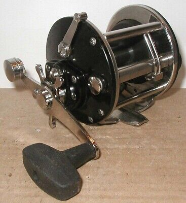 Eccentric Jack USED PENN CONVENTIONAL REEL PART 320 GT2