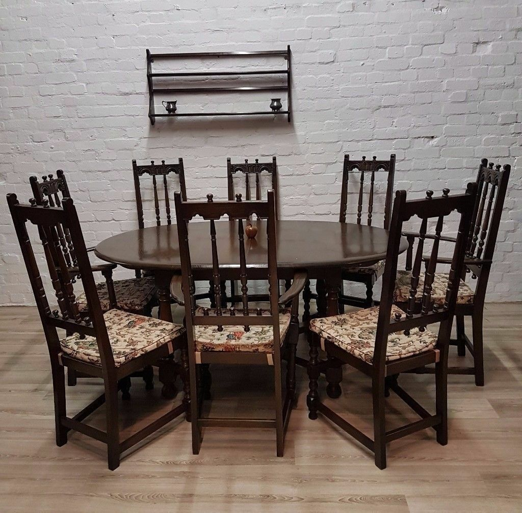 Ercol Extending Dining Table With Eight Chairs (DELIVERY