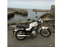 Sannis SC125 motorbike, classic cruiser style, white first bike 125 engine. Womens bike. White.