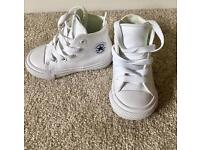 Almost brand new converse - Toddler boy or girl