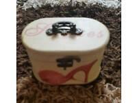 Shabby chic jewellery/storage box