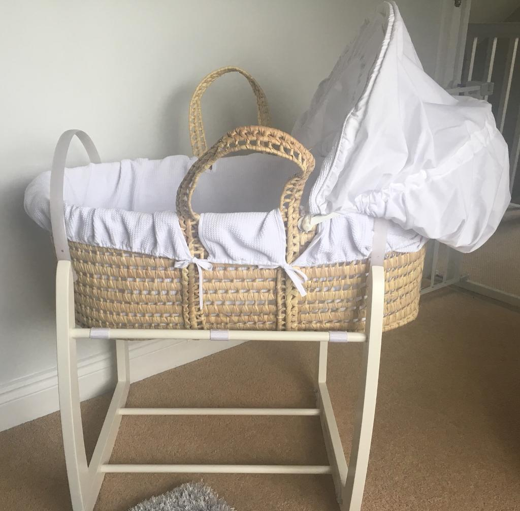 Moses Basket and fitted sheets