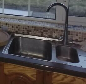 FRANKE Polished Stainless Steel 1.5 Bowl Kitchen Sink & Drainer With S/S Curved Mixer Taps